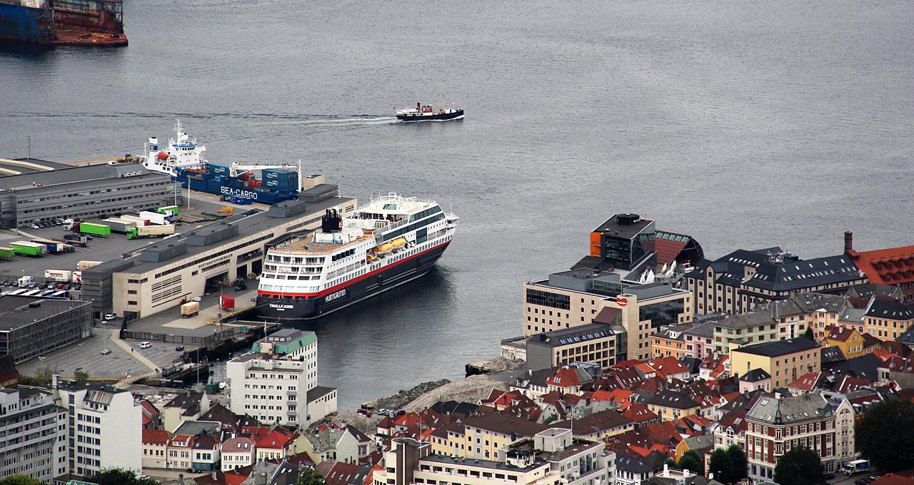 Hurtigruten Bergen hajó