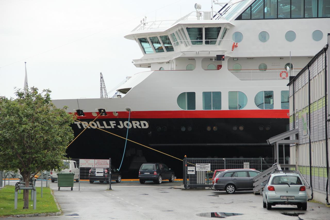 MS Trollfjord Hurtigruten Bergen