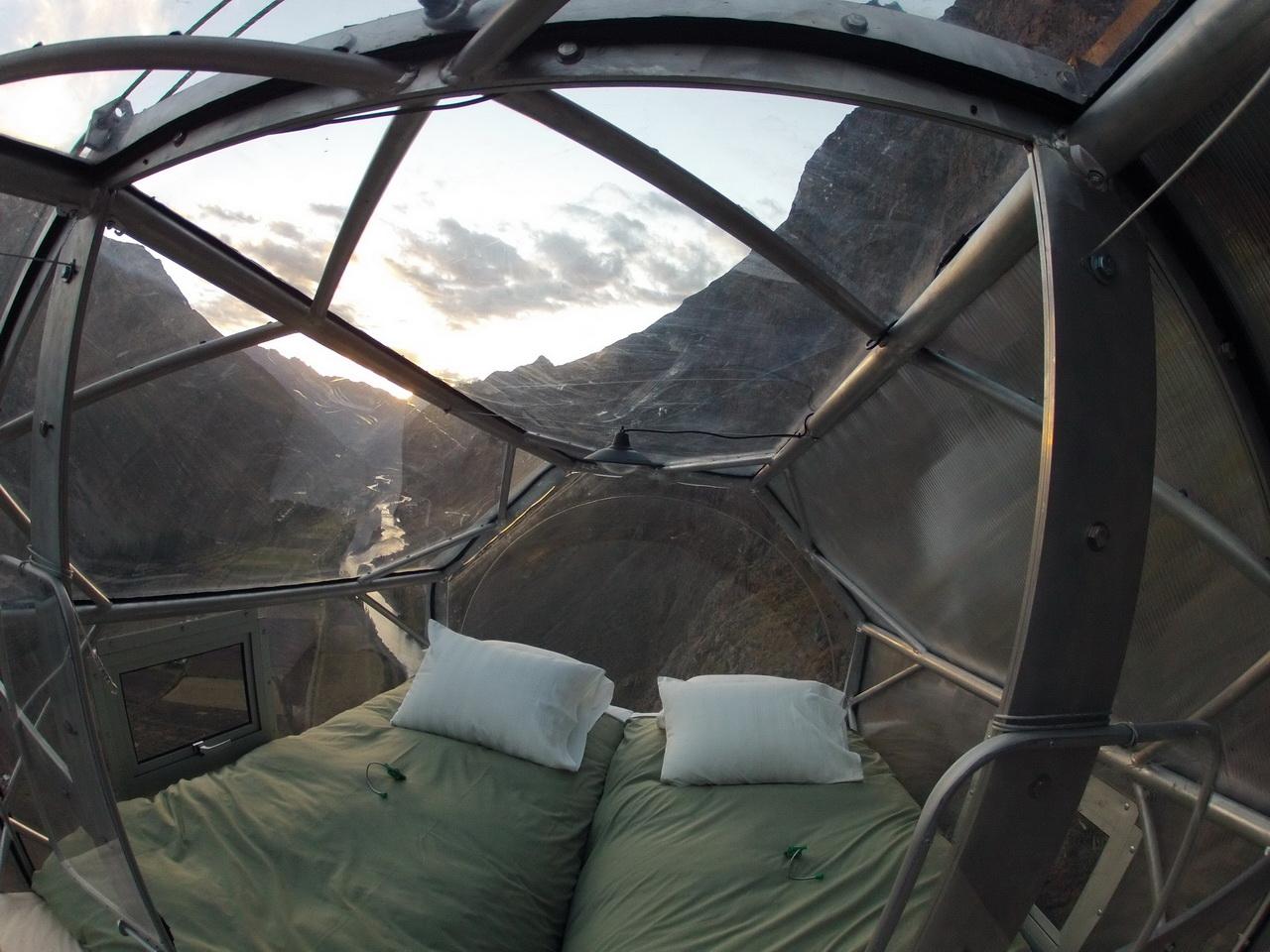 Peru sziklafal hotel