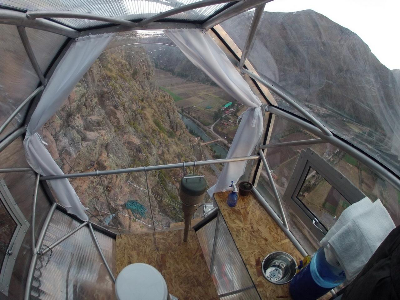 Peru kapszula szállás sziklafalon