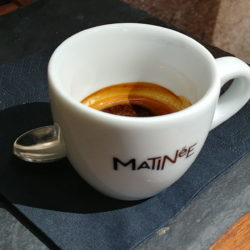 Matinee kávé