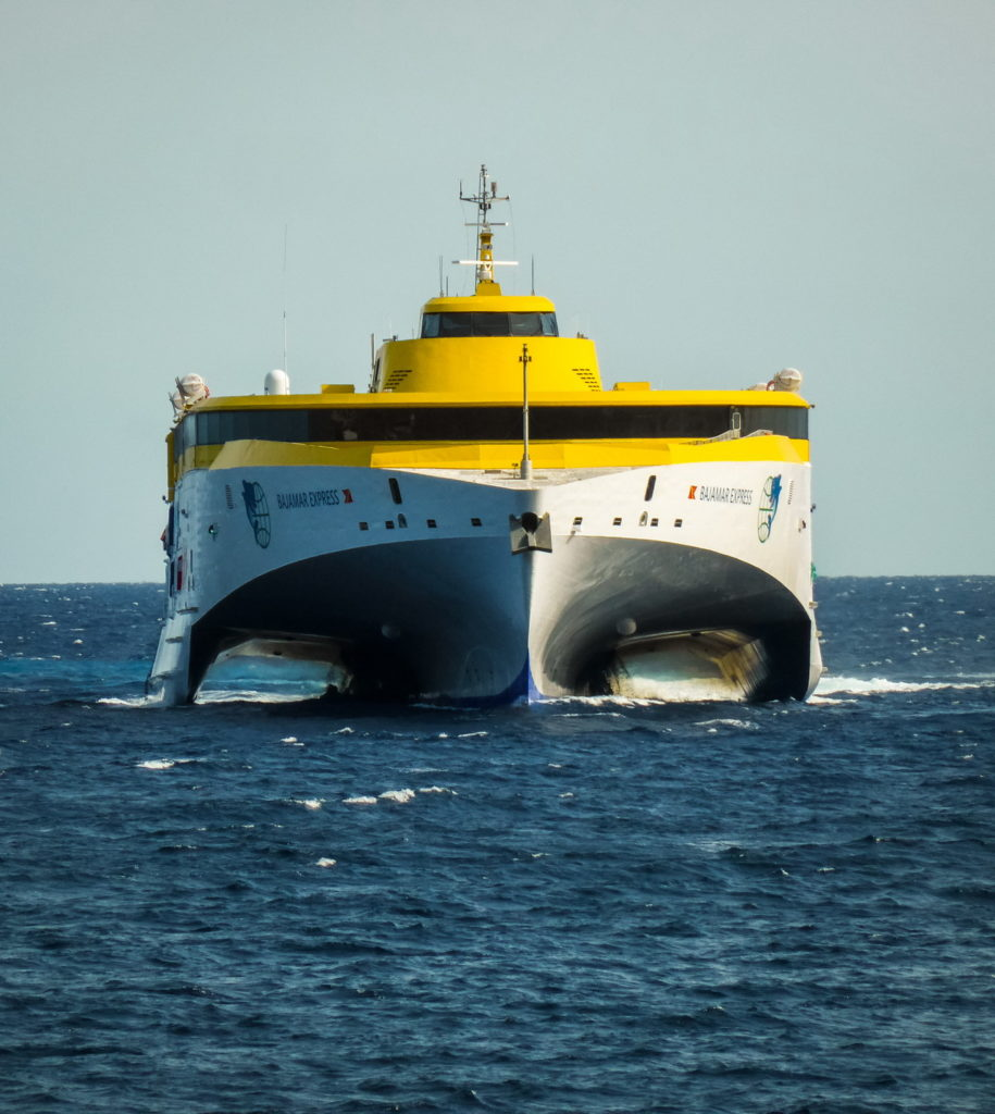 Fred Olsen - Kanári-szigetek komp hajó